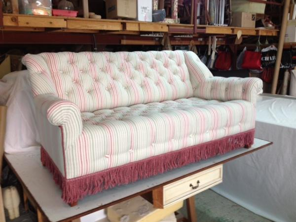Sofá con tela de lino